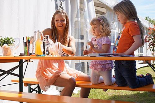 Bei strahlendem Sonnenschein genossen alle Mitarbeiter gemeinsam mit ihren Liebsten das Familienfest.
